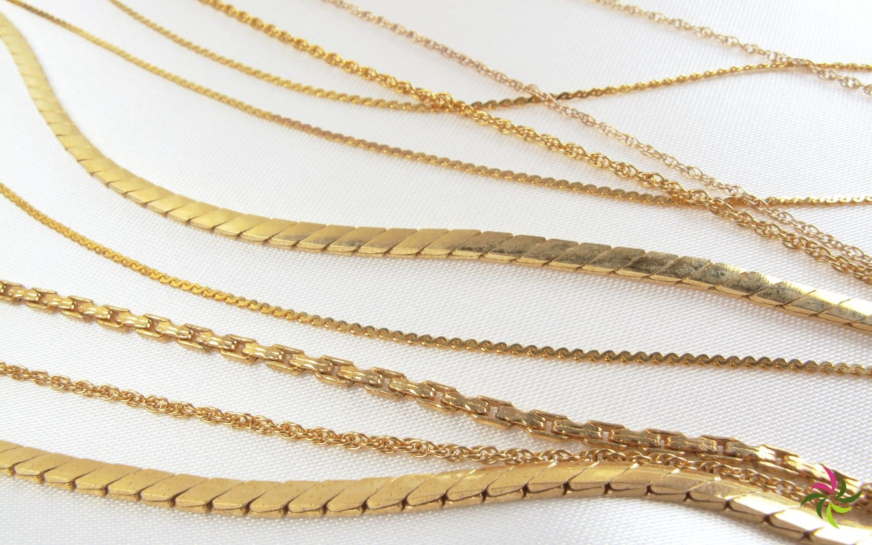 Determine necklace chain and bracelet length